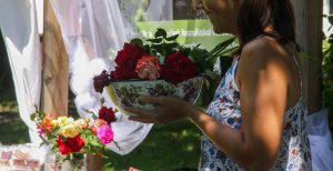 """<span class=""""Rózsavilág"""" title=""""A Cserhát kapujában található csodálatos Béri rózsák szirmaiból különleges és egyedi ételeket, italokat és szépségápoló szereket készítünk, melyeket máshol nem találsz.""""</span>Rózsavilág"""