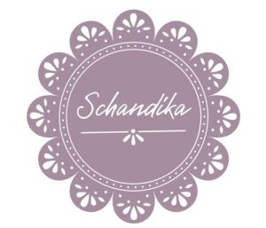 """<span class=""""Schandika manói"""" title=""""Szeretném, ha gyermekeink kreatív játékot biztosító környezetben, természetes anyagokból készült tárgyakkal, játékokkal találkoznának, ezért készítek gyapjúfilc és fa felhasználásával mesefigurákat, manókat és egyéb dekorációs termékeket.""""</span>Schandika manói<span class=""""badge"""" title=""""A vállalkozás részt vesz a Waldorf Kedvezmény Programban""""><img style=""""vertical-align:baseline; height:16px;"""" src=""""https://biz.waldorf.hu/wp-content/uploads/kedvezmeny.jpg""""></span>"""